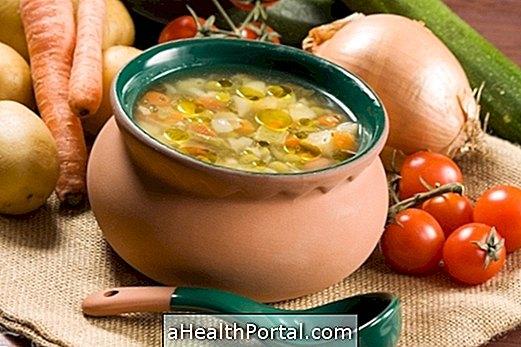 5 zupas receptes ar mazāk nekā 200 kalorijām